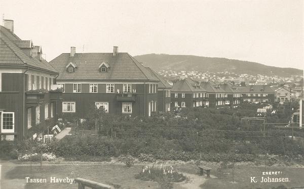 Bredo Stabells vei 3 nærmest til venstre. Bilde fra Oslo Museum.